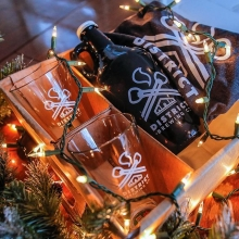 Last minute gift ideas? Our District Gift Boxes are the perfect way to say Happy Holidays. You get a growler, t-shirt and two shaker glasses.  #christmasgift #giftideas #findyourcraft #brewedinsaskatchewan #exploresask #saskatchewan #YQR #shoplocal #drink